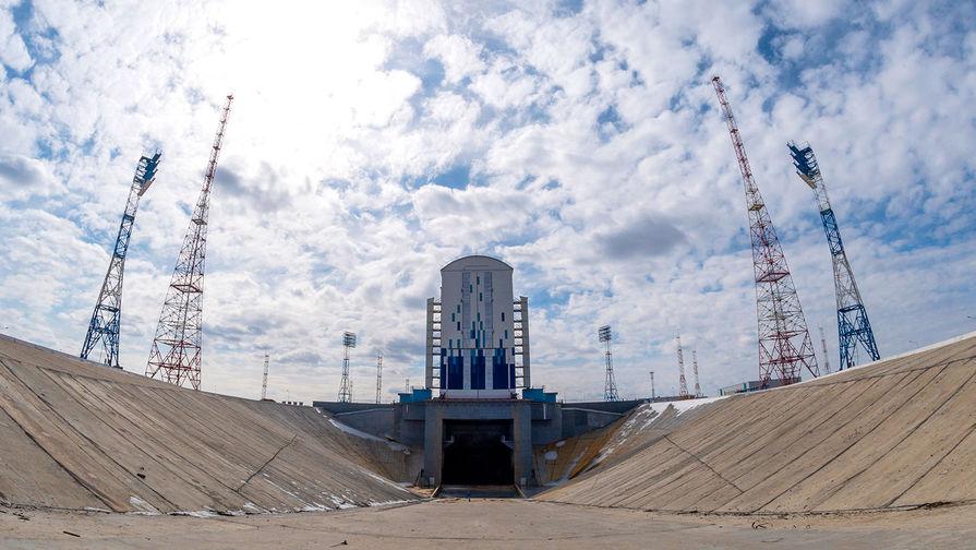 Устроил разнос: Роскосмос сменит генподрядчика строительства Восточного