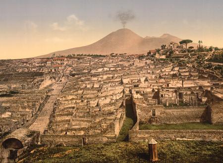 Древнеримское поселение Помпеи было уничтожено извержением вулкана Везувий