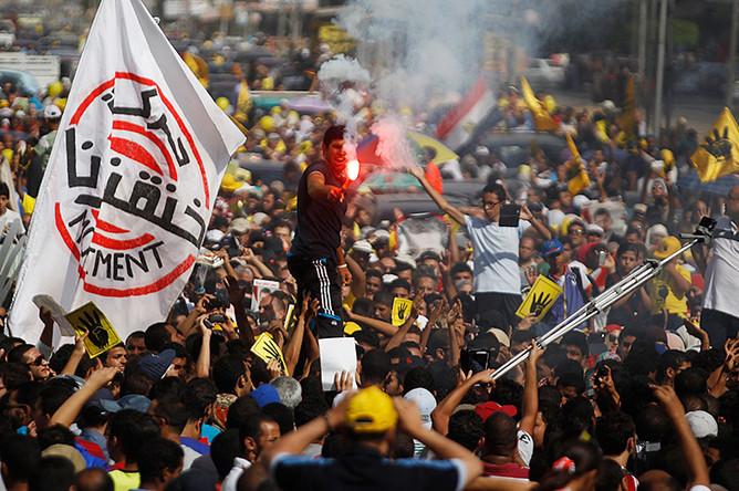 В Каире в столкновениях погибли четыре человека, более 140 — ранены