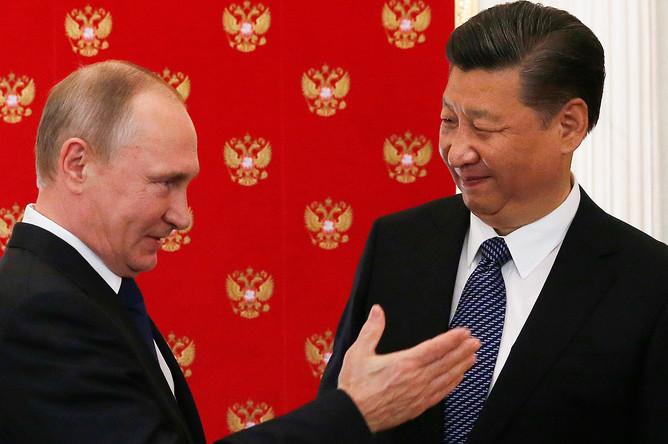 Владимир Путин и председатель КНР Си Цзиньпин во время встречи в Кремле, 3 июля 2017 года