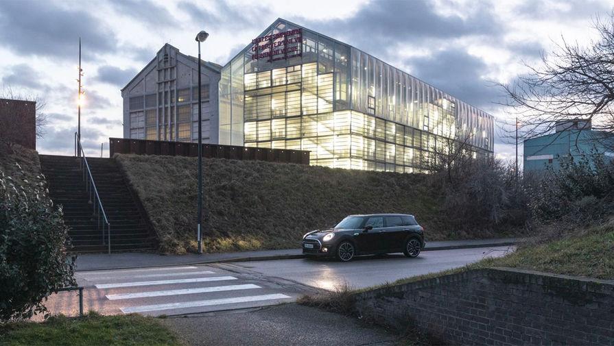 Здание фонда современного искусства в Дюнкерке