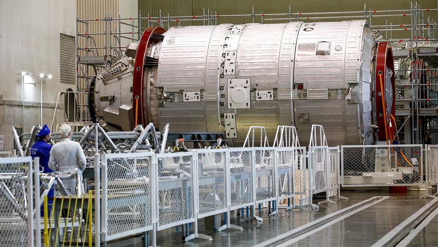 Макет герметичного отсека научно-энергетического модуля (НЭМ) на территории ракетно-космической корпорации «Энергия» им. С.П. Королева