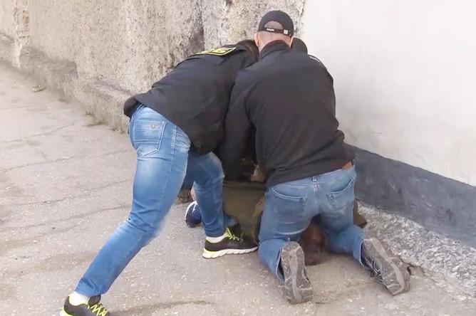 Задержание сотрудниками ФСБ члена диверсионно-террористической группы