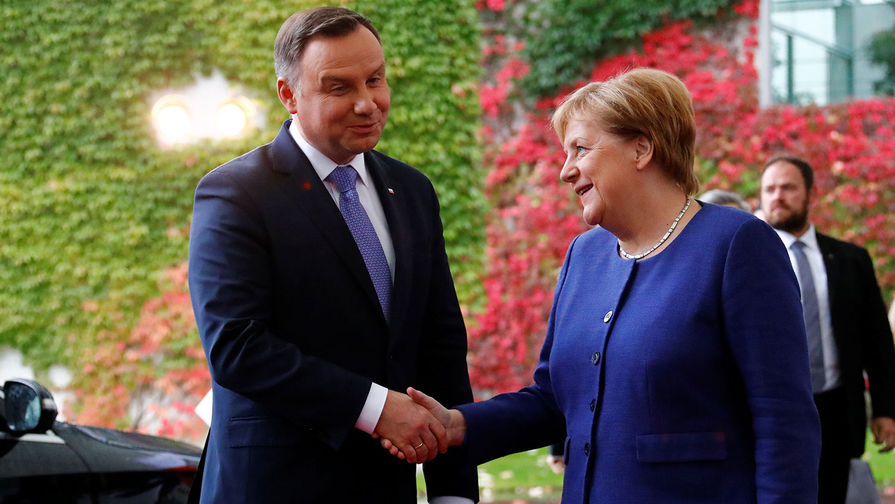 СМ�: отменой встречи президент Польши оскорбил Меркель