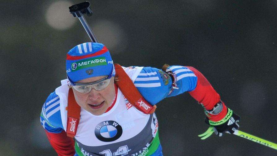 Российская биатлонистка Анна Богалий участвует в женской спринтерской гонке на девятом этапе Кубка мира по биатлону в Ханты-Мансийске, 2012 год