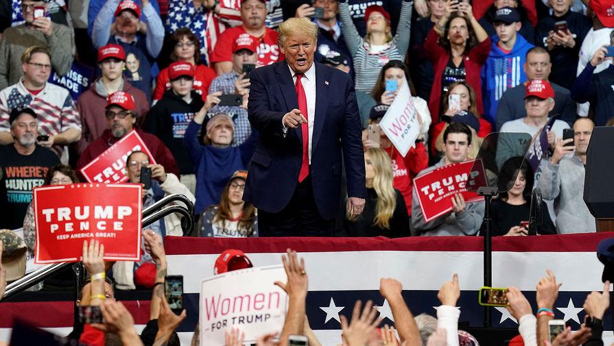 Президент США Дональд Трамп во время предвыборного мероприятия в Нью-Гэмпшире, 10 февраля 2020 года
