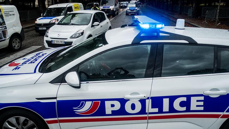 Полиция применила водометы и слезоточивый газ против протестующих в Париже