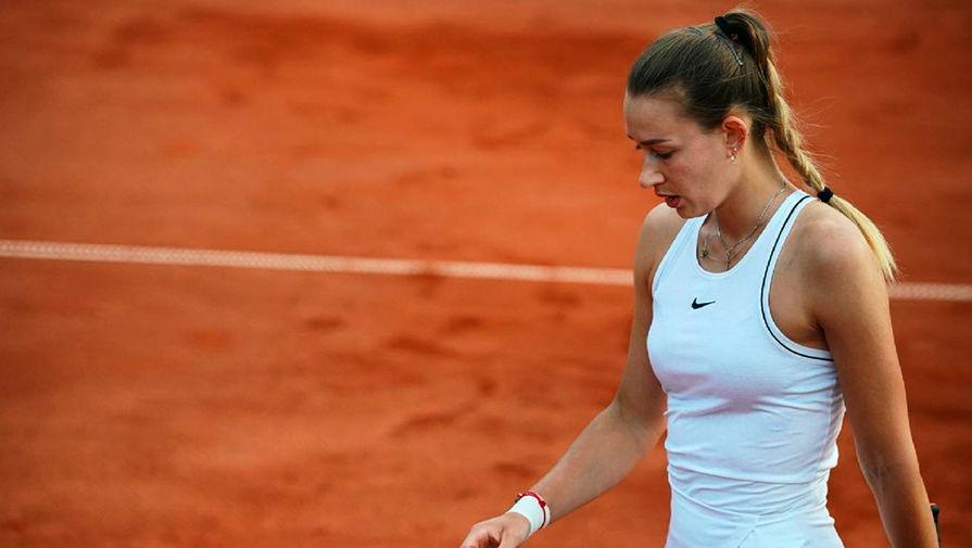 Российская теннисистка, задержанная на Ролан Гаррос, пропустит Уимблдон из-за ковида
