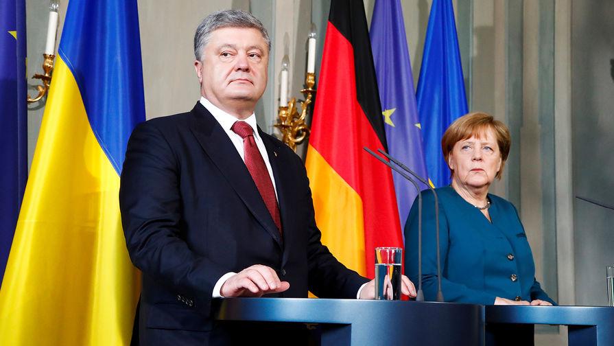 Порошенко попросил Меркель ужесточить санкции против России