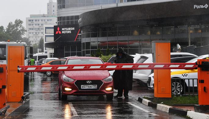 «Продезинфицируем и доставим»: автодилеры ушли в онлайн