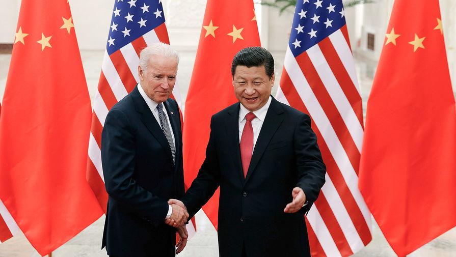 Вице-президент США Джо Байден и председатель КНР Си Цзиньпин во время встречи в Пекине, 2013 год