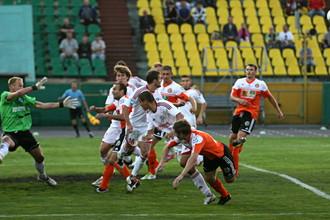 Игроки «Металлург-Кузбасса» не могут выйти на поле против «Салюта» из-за долгов
