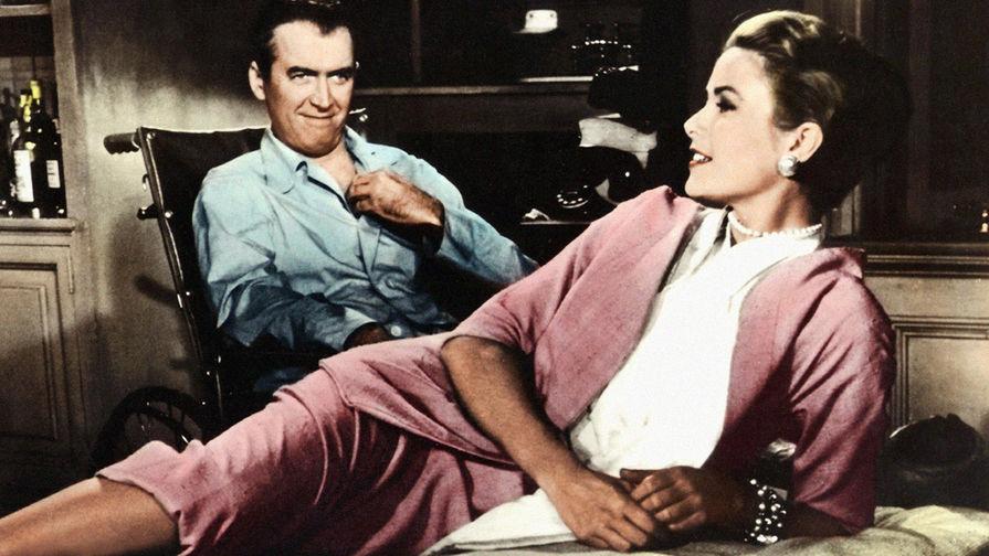 Джеймс Стюарт и Грейс Келли в фильме «Окно во двор» (1954)