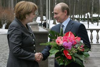 8 марта 2008 года. Ангела Меркель и Владимир Путин во время встречи в Ново-Огарево