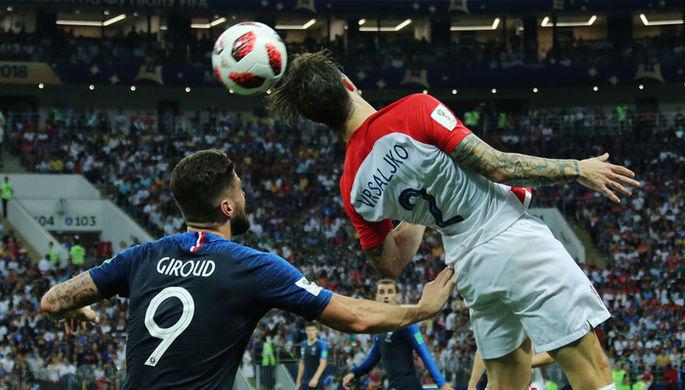 Инцидент на поле во время финального матча чемпионата мира по футболу между сборными Франции и Хорватии в Москве, 15 июля 2018 года