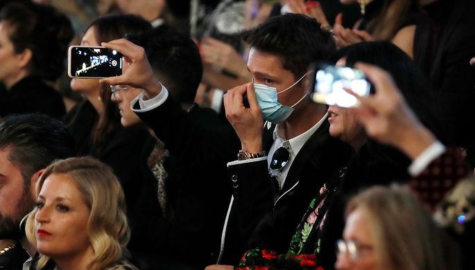 Во время показа Dolce & Gabbana в Милане, 23 февраля 2020 года
