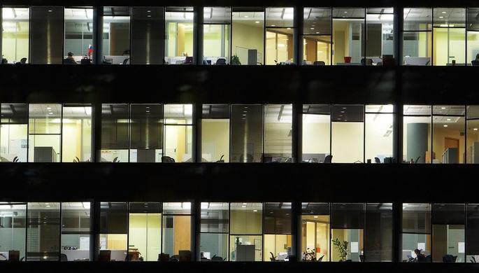 «Так проще вернуться»: первый рабочий день года хотят сократить