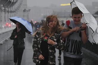 Опасность сохраняется: что шторм сделал с Москвой