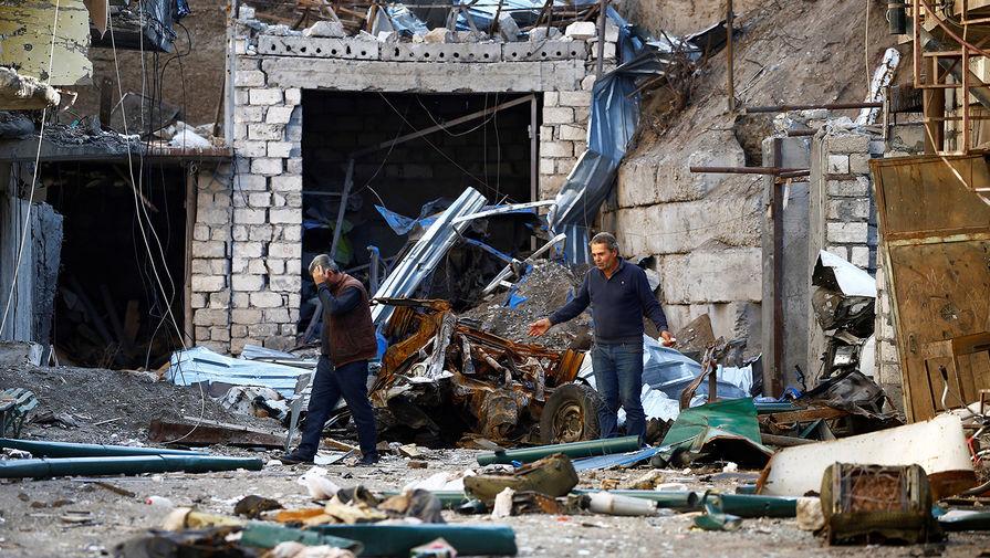Разрушенные дома в Степанакерте, 13 октября 2020 года