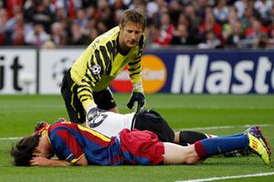 Ван дер Сар не смог спасти МЮ от поражения в поединке с «Барсой»