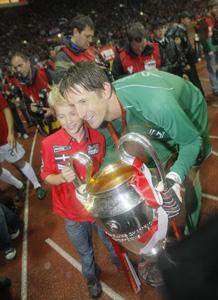 Ван дер Сар выиграл Лигу чемпионов в 2008 году