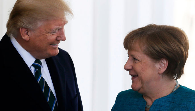 Дональд Трамп во время встречи с Ангелой Меркель в Белом доме