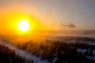 Вертолет с украинским президентом Петром Порошенко после посещения позиций армии возле города Горловка, декабрь 2016 года