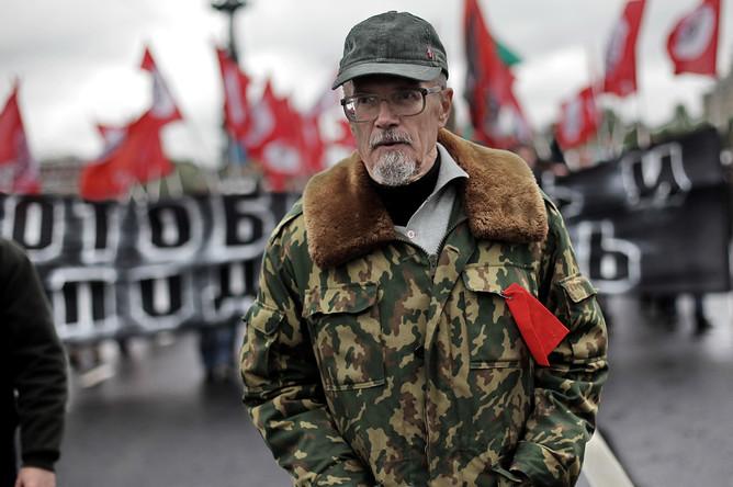 Лидер незарегистрированной партии «Другая Россия» Эдуард Лимонов во время проведения марша протеста «Антикапитализм-2012» в Москве, 2012 год
