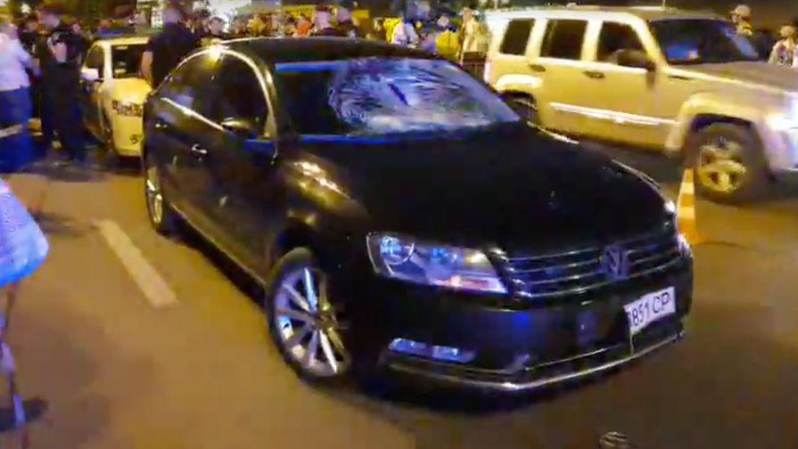 Ситуация на месте ДТП с автомобилем из кортежа президента Украины Петра Порошенко, 31 мая 2018 года