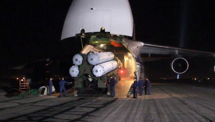 Зенитно-ракетные комплексы С-300, доставленные в Сирийскую Арабскую республику самолетом Ан-124-100...