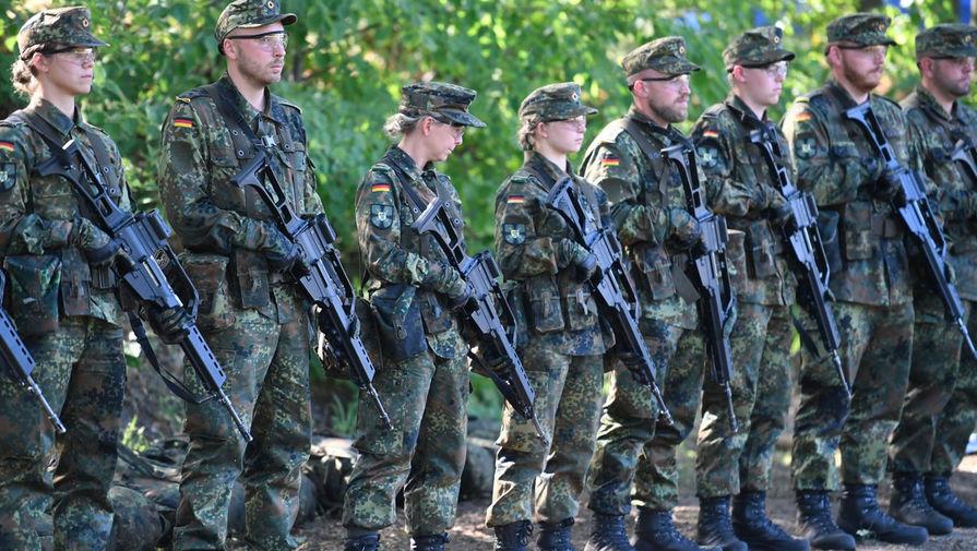 «Погоня за нацистами»: в ФРГ обсуждают возвращение призыва
