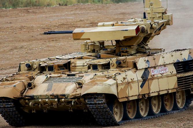 Боевая машина поддержки танков «Терминатор-3» во время динамического показа в рамках международного военно-технического форума «Армия-2017» в военно-патриотическом парке культуры и отдыха Вооруженных сил РФ «Патриот» в Кубинке