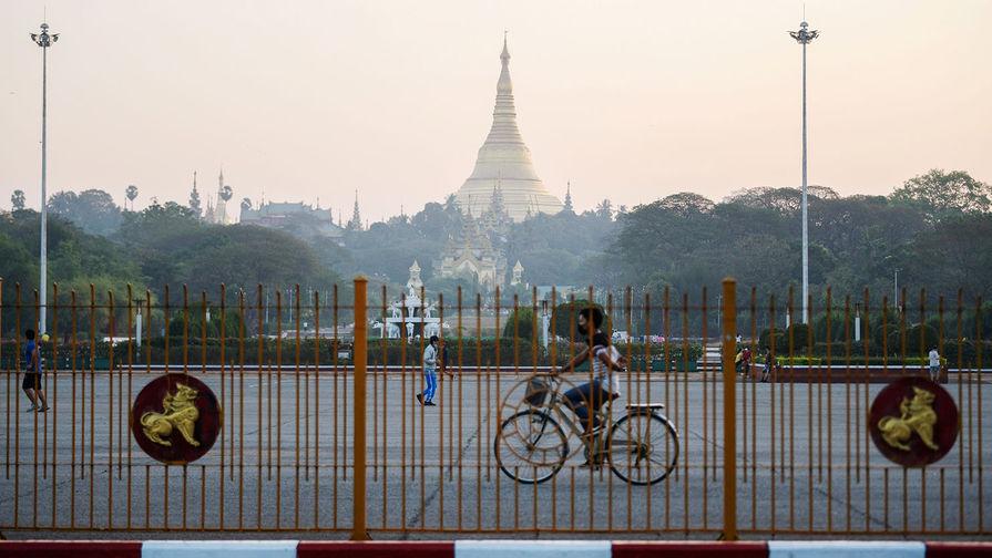 В Мьянме почти полностью отключили интернет