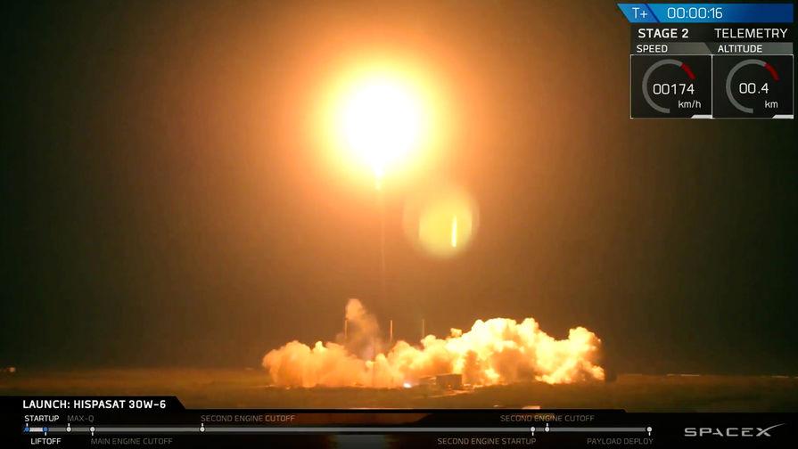 Запуск ракеты-носителя Falcon 9 со спутником Hispasat 30W-6 с мыса Канаверал во Флориде, 6 марта...