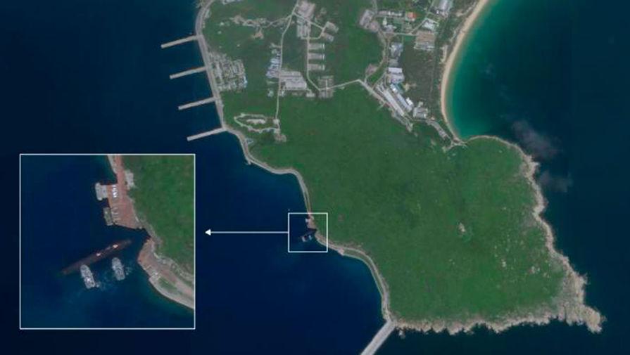 Скальное укрытие: Китай отправил субмарины под землю