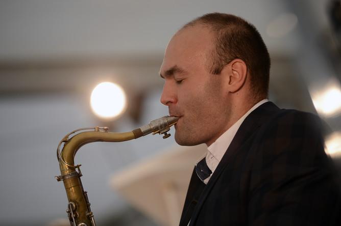 Арт-директор международного фестиваля Koktebel Jazz Party Сергей Головня выступает на фестивале Koktebel Jazz Party в Москве