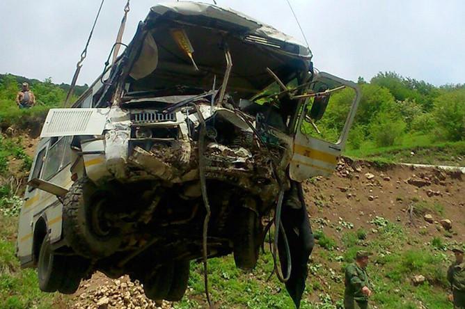 Автобус, упавший в пропасть на горной дороге Цхинвал- Канчавети.