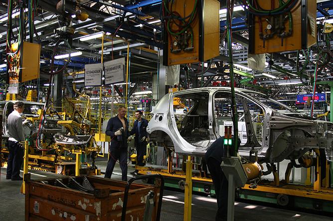 Работа конвейера в одном из цехов компании «АвтоВАЗ»