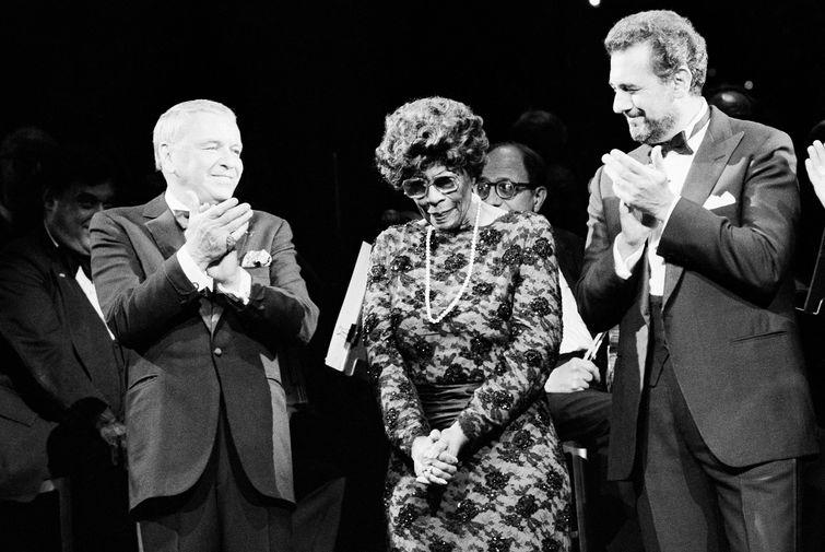 Фрэнк Синатра, Элла Фицджеральд и Пласидо Доминго на благотворительном концерте для Мемориального онкологического центра имени Слоуна, 1986 год