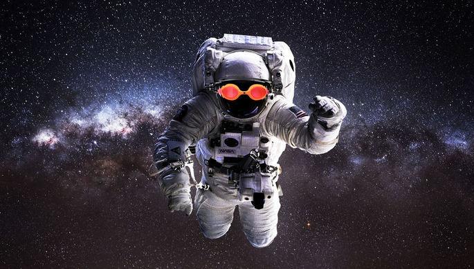 Не доверят секреты: космонавта подвела жена-американка