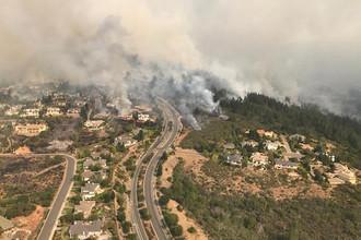 Последствия лесного пожара к северу от Сан-Франциско, 9 октября 2017 года