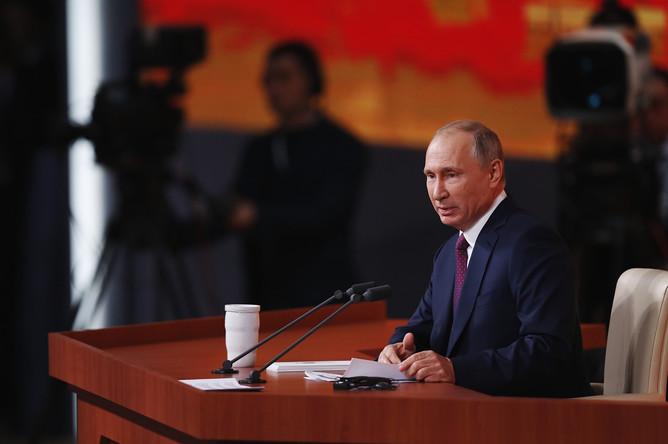 Президент России Владимир Путин во время ежегодной пресс-конференции в Москве, 14 декабря 2017 года