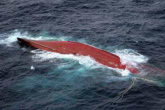 В Японском море продолжаются поиски пропавших без вести членов команды краболова «Шанс-101»
