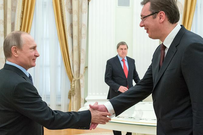 Президент России Владимир Путин и премьер-министр Сербии Александар Вучич во время встречи в Кремле, 26 мая 2016 года