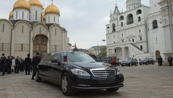 Автомобиль президента РФ Владимира Путина на Соборной площади Московского Кремля, 7 мая 2012 года