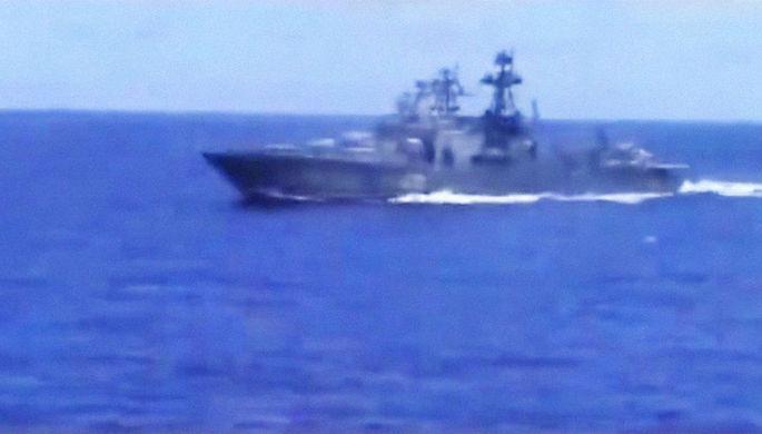 В Сети поразились поведению российских моряков при сближении с крейсером ВМС США
