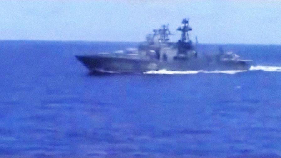 Адмирал оценил реакцию российских моряков на маневр крейсера ВМС США