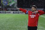 Рамзан Кадыров исполняет лезгинку вперерыве матча междусборной ветеранов Бразилии и командой главы Чечни Рамзана Кадырова, 2011