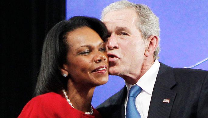 Бывший президент США Джордж Буш — младший и экс-госсекретарь Кондолиза Райс во время мероприятия в Далласе, 2010 год