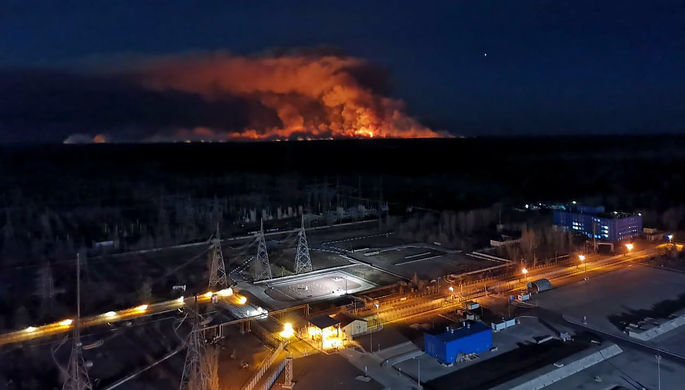 Пожар в Чернобыле: огонь подошел к радиоактивным отходам